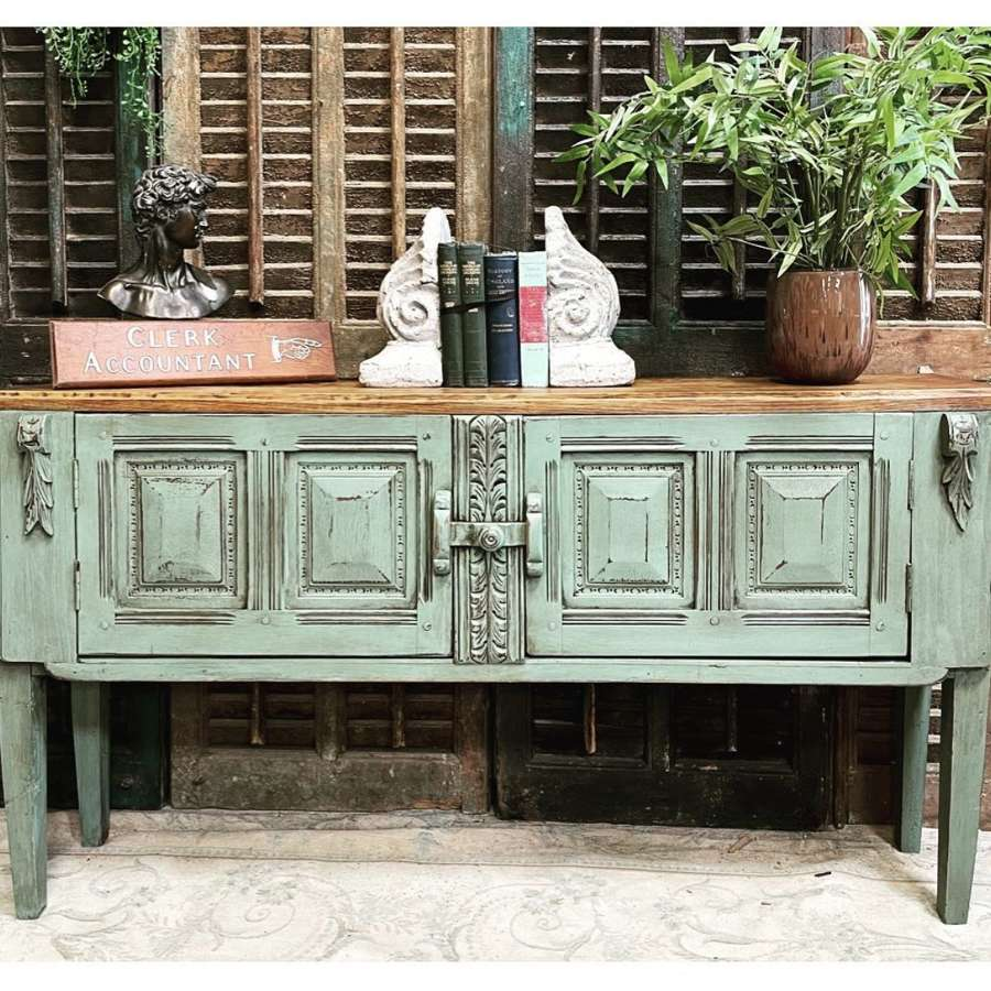Console & Side Tables