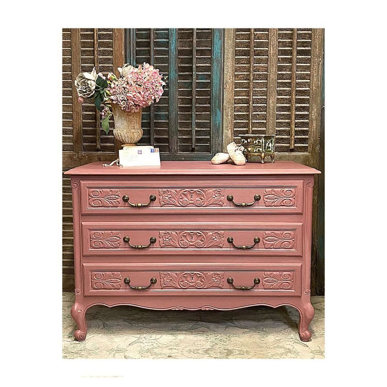Ashes of rose french chest