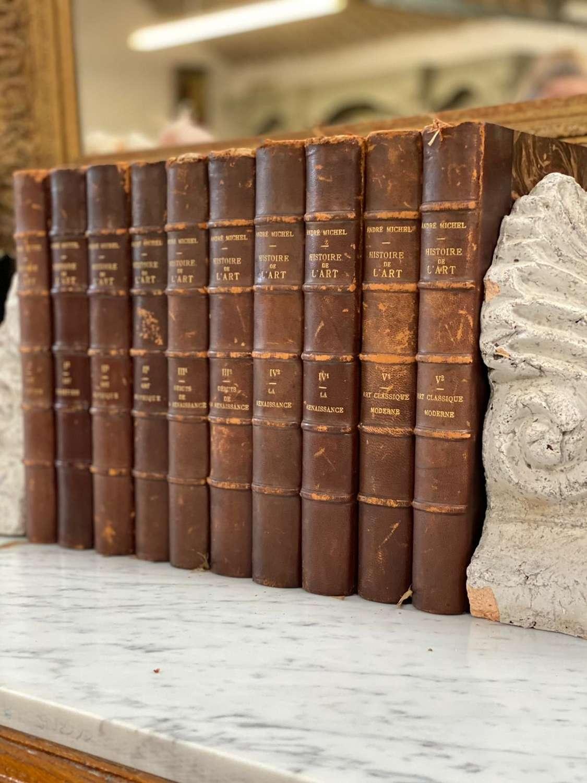 Set of 10 french leather bound books Histoire de L'art 29cm x 21cm p