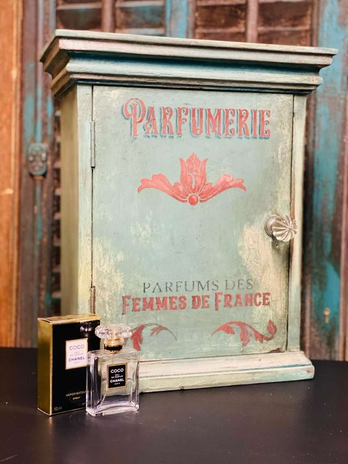 Painted perfumerie cabinet