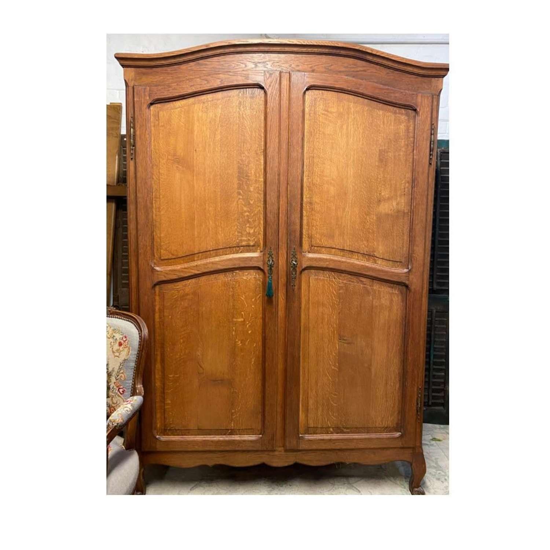 Oak 2 door wardrobe