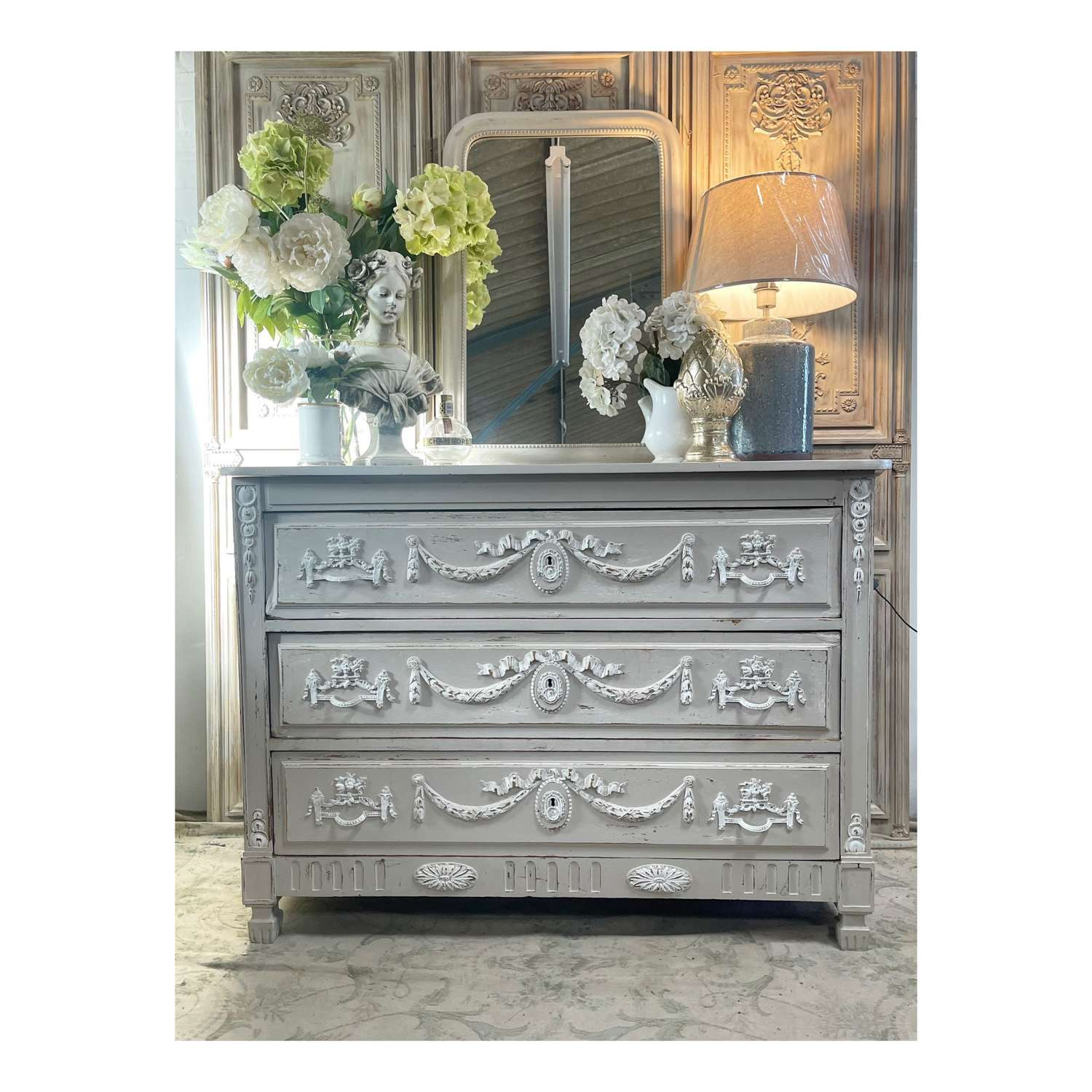Chic & stunning French chest of drawers