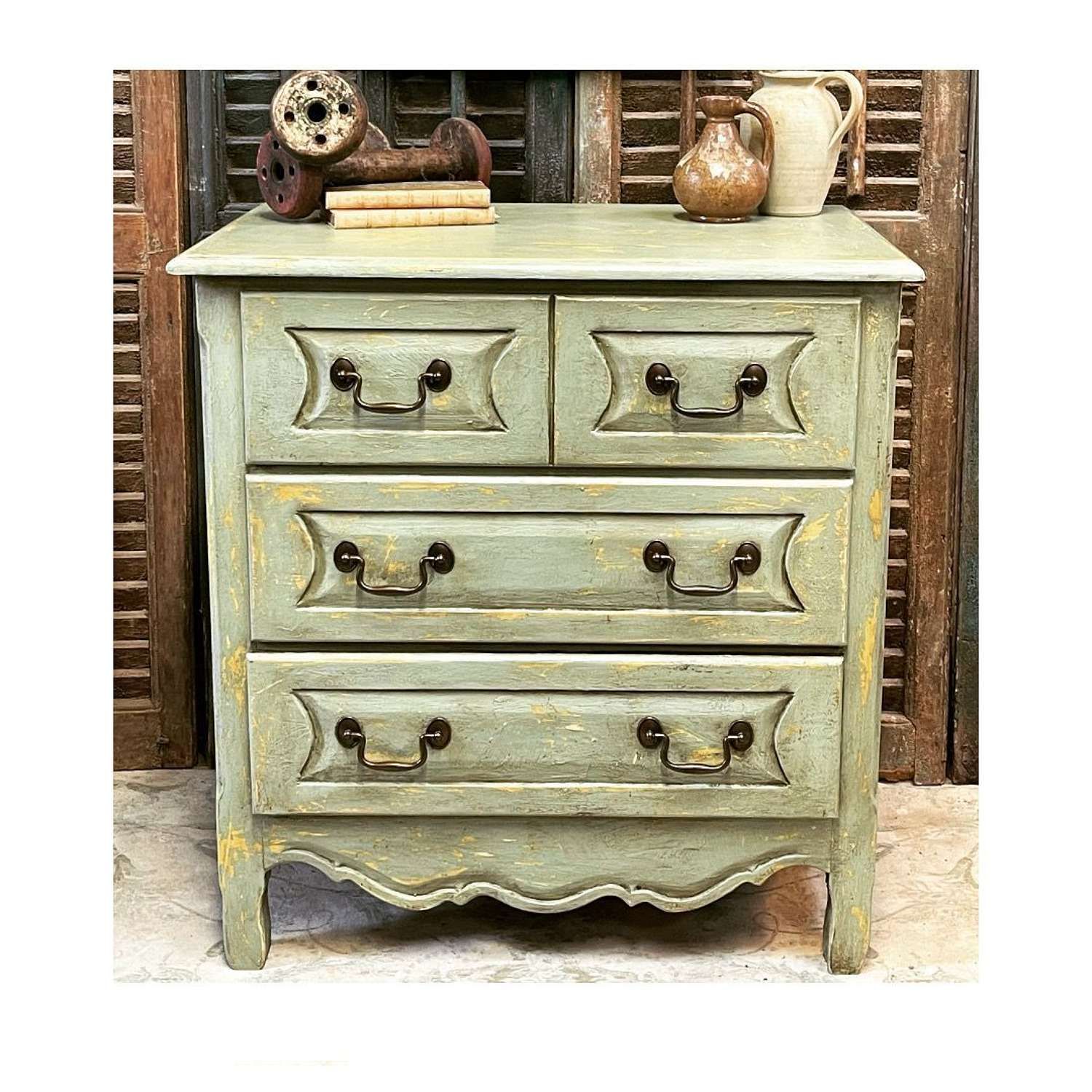 Small French country style chest of drawers